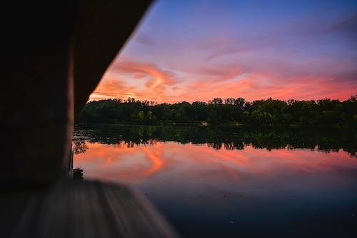 Fotobanka sbezplatnými fotkami na tému jazero, magická hodina, malebný, odlesk