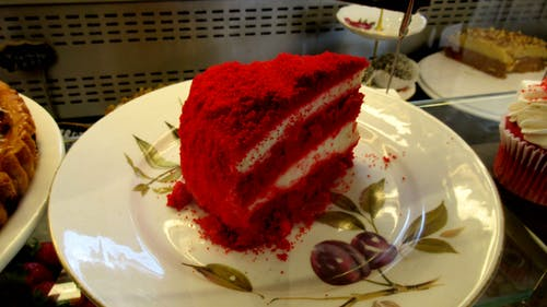 Gratis stockfoto met biscuitgebak, bord, cake, plak