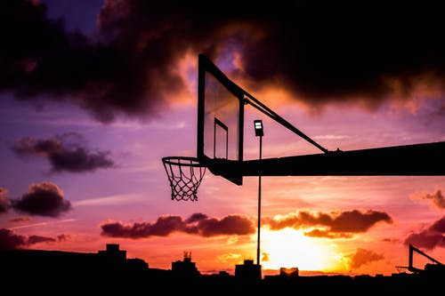 Fotobanka sbezplatnými fotkami na tému basketbal, basketbalový kôš, basketbalový prsteň, magická hodina