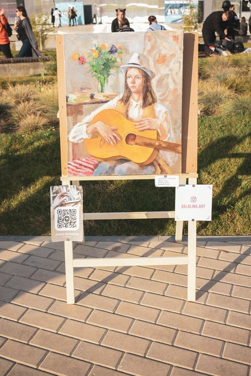 Ingyenes stockfotó esemény, festés, gitár, kiállítás témában