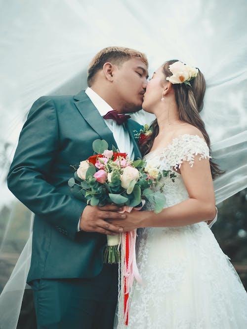 꽃다발, 신혼 부부, 아시아의, 웨딩의 무료 스톡 사진