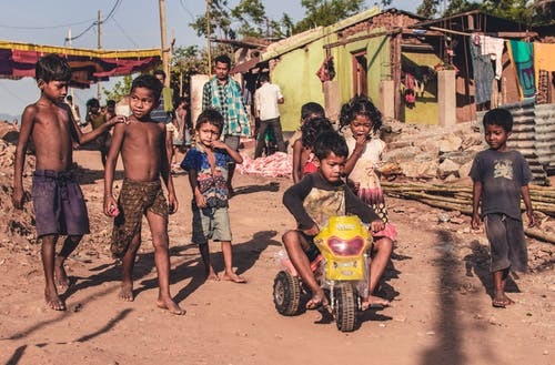 Kostnadsfri bild av Asien, barn, by, fattig