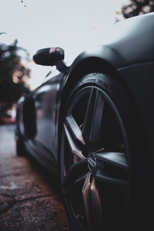 açık hava, araba, araba yarışı, asfalt içeren Ücretsiz stok fotoğraf