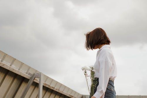 Gratis stockfoto met bloemen, bovenkleding, buiten, casual