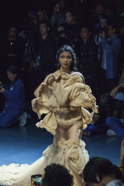 desfilada de moda, disseny de moda, moda