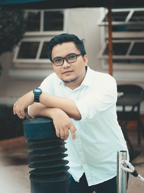 긴팔, 남자, 아시아 남성, 안구 유리의 무료 스톡 사진