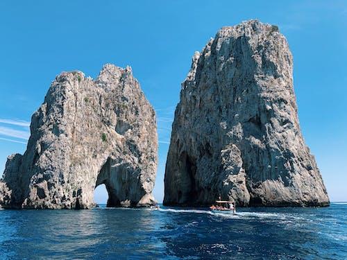 Бесплатное стоковое фото с амальфитанское, вода, геологические формации, голубая вода