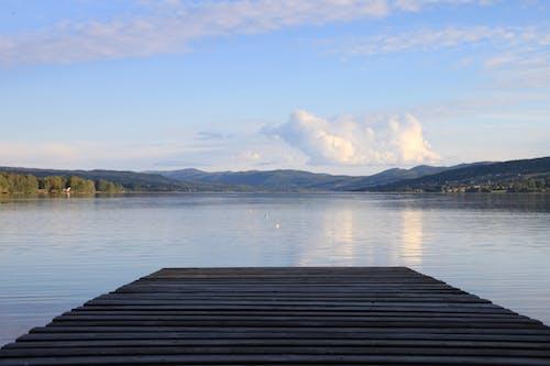 Darmowe zdjęcie z galerii z dok, góra, jezioro, molo