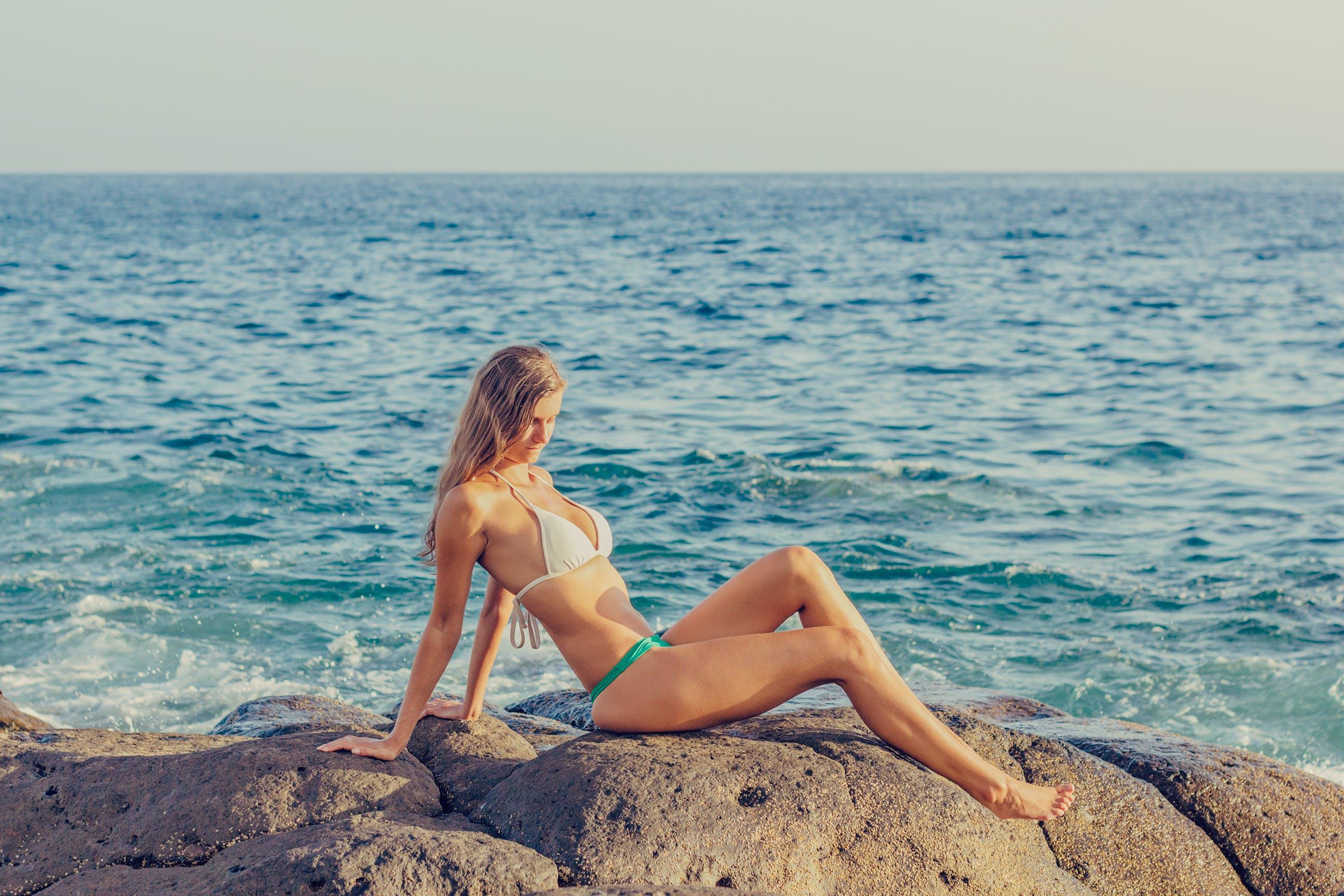 くつろぎ, セクシー, トロピカル, ビキニの無料の写真素材