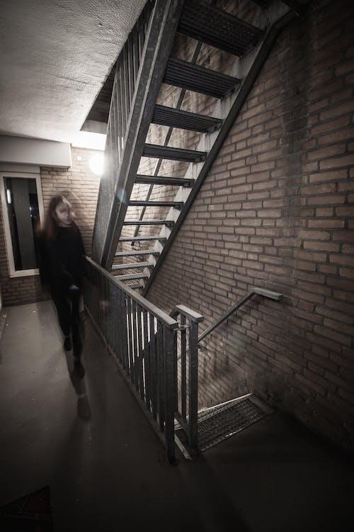 Immagine gratuita di corridoio, scale