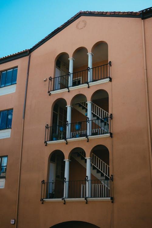 Gratis stockfoto met appartement, architectueel design, architectuur, buitenkant
