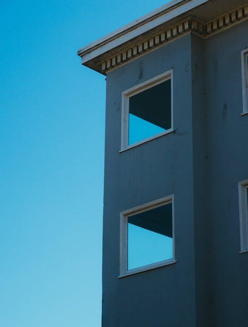 Fotos de stock gratuitas de al aire libre, apartamento, arquitectura, artículos de cristal
