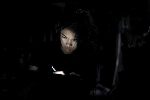 Безкоштовне стокове фото на тему «iPad, ipad pro, вчити, Дівчина»