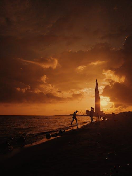 คลังภาพถ่ายฟรี ของ กลางแจ้ง, ชายทะเล, ชายหาด, ซิลูเอตต์