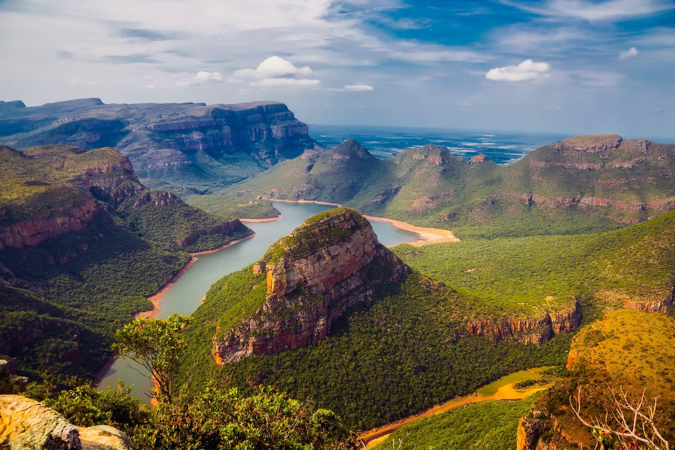 Gratis lagerfoto af bakke, bjerge, dagslys, dal