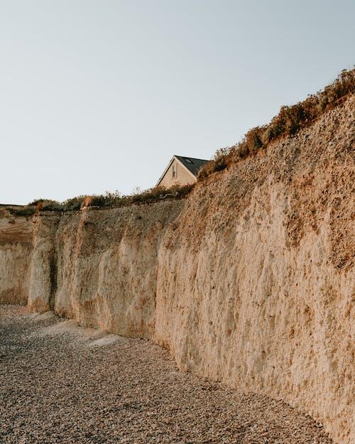 Foto d'estoc gratuïta de a l'aire lliure, arquitectura, casa, foto amb angle baix