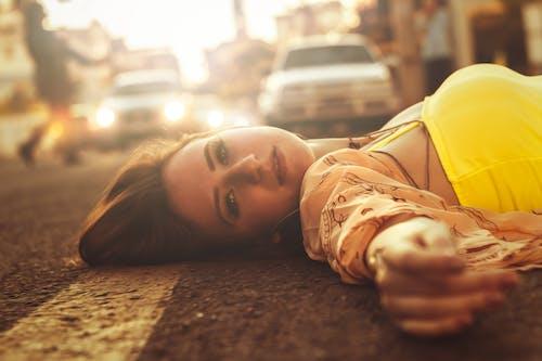 Fotobanka sbezplatnými fotkami na tému asfalt, automobily, chillout, cit