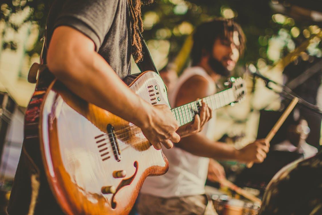artist, chitară, chitarist
