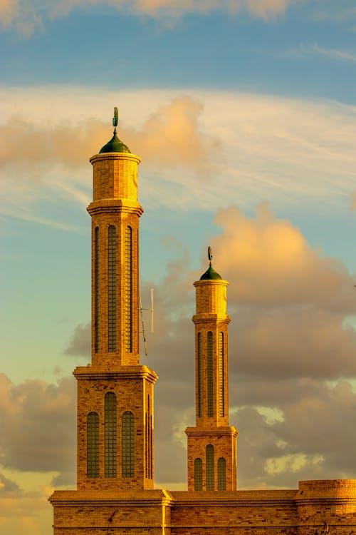 Gratis arkivbilde med arkitektur, en moske, gylden time, himmel
