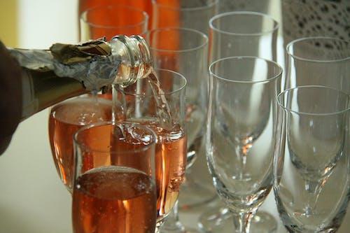 Photos gratuites de mousseux, verres de champagne