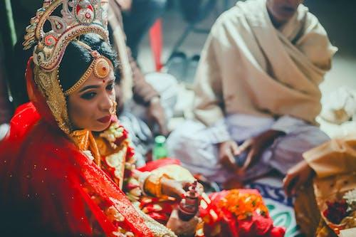 Δωρεάν στοκ φωτογραφιών με γαμήλια τελετή, ινδουιστής, κοσμήματα, νύφη