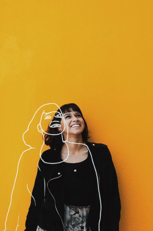 Gratis lagerfoto af afslappet, glad, kvinde, mode