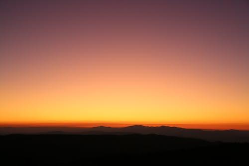 Δωρεάν στοκ φωτογραφιών με απόγευμα, αυγή, βουνά, βραδινός ουρανός