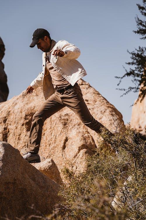 açık hava, adam, aşınmış kaya