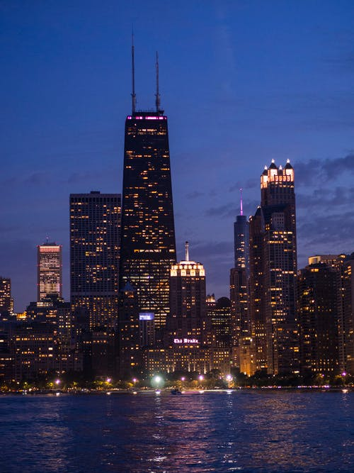 城市, 城市之夜, 密西根湖, 德雷克酒店 的 免费素材照片