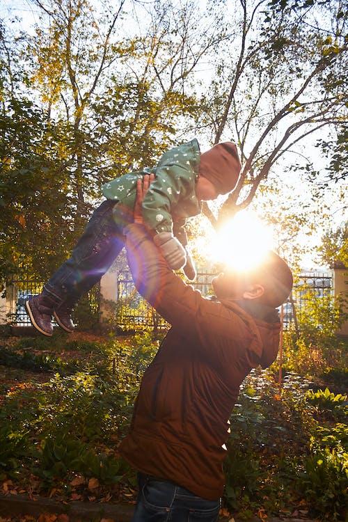 Foto profissional grátis de criança, dia de sol, família, filha