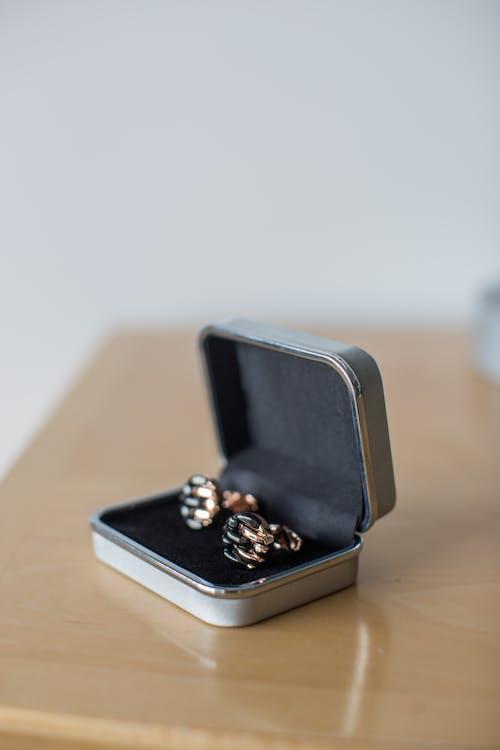 Shirt Cuff-links in a Silver Box