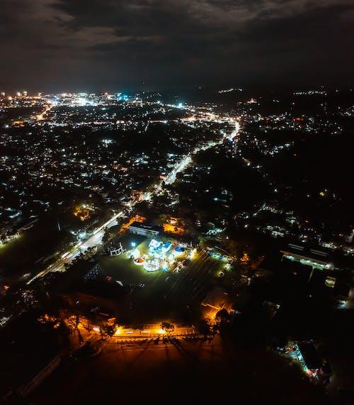 城市, 夜間攝影, 市容, 漆黑 的 免费素材照片