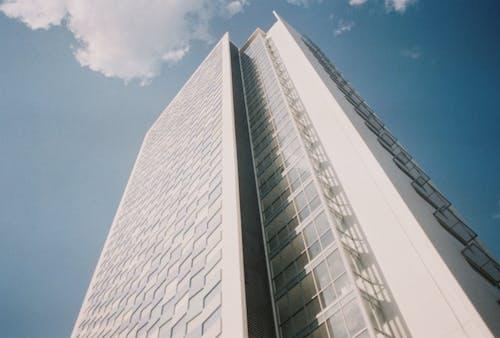 Kostnadsfri bild av arkitektonisk, arkitektonisk design, arkitektur, blå himmel