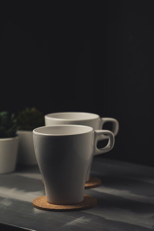 Δωρεάν στοκ φωτογραφιών με αδειάζω, απλότητα, καφέ φλιτζάνια, κεραμικός