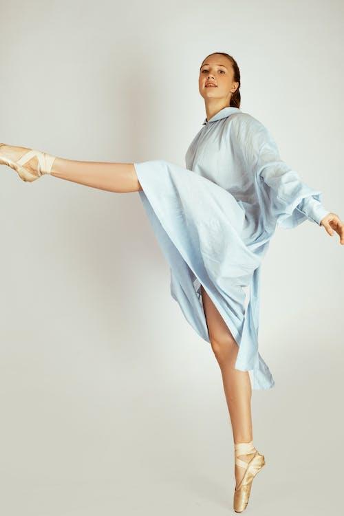 Fotobanka sbezplatnými fotkami na tému balet, baletka, baletné byty, dievča