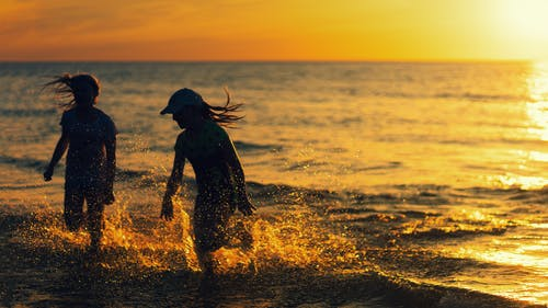 キッズ, ゴールデンアワー, シルエット, ビーチの無料の写真素材