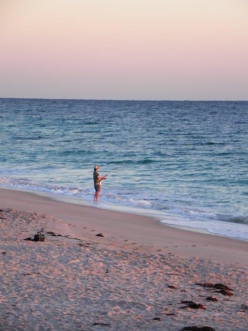 Immagine gratuita di alba, bagnasciuga, divertimento, litorale