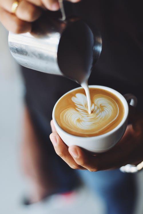 Základová fotografie zdarma na téma caffè latte, caffè latte art, design, káva