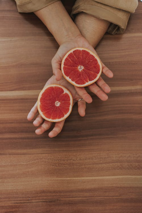 Бесплатное стоковое фото с вкусный, грейпфрут, дерево, деревянный