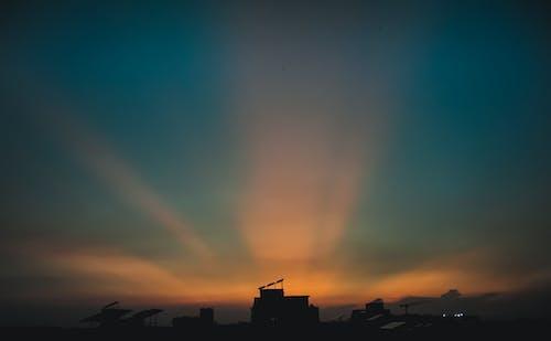 Fotos de stock gratuitas de cielo al atardecer, cielo azul, cielo de la ciudad, cielo limpio