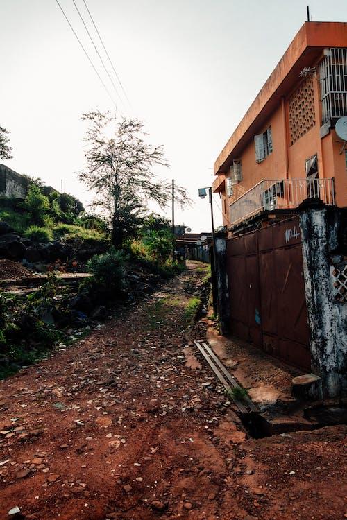 Darmowe zdjęcie z galerii z architektura, budynek, dom, droga