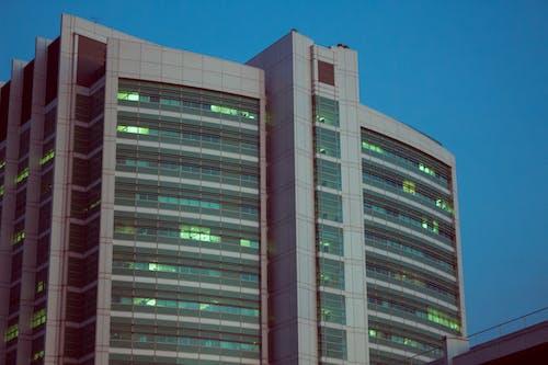 Foto profissional grátis de alto, arquitetura, arranha-céu, construção