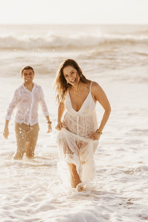 Photo Shoot of Couple at the Beach