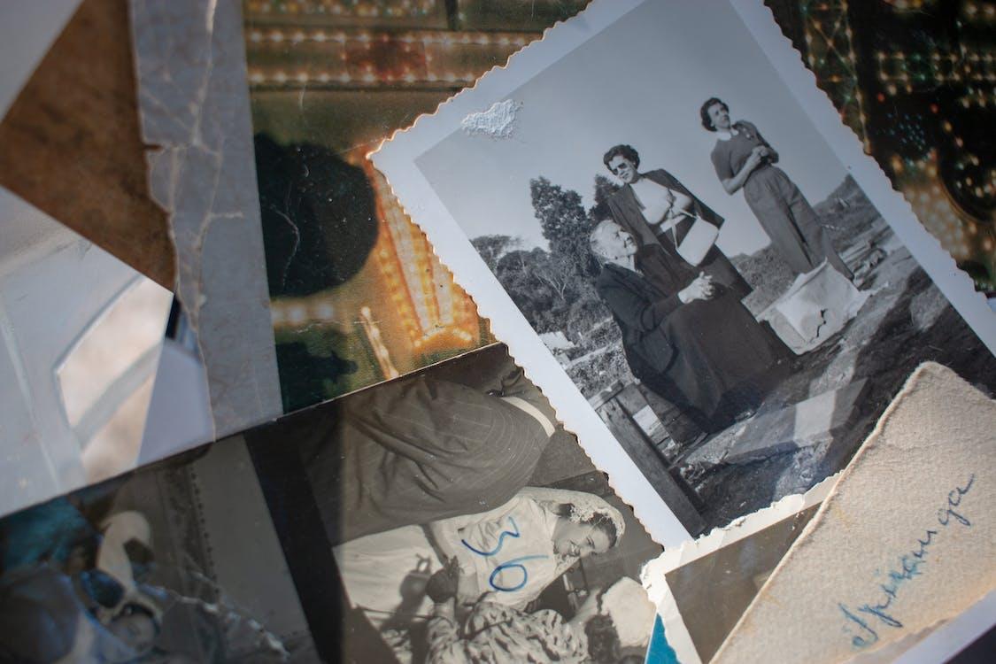 Fotos Variadas En Escala De Grises