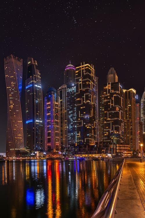 ánh đèn thành phố, bến du thuyền dubai, bờ sông