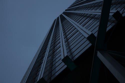 ガラス, ローアングルショット, 前面, 夕暮れの無料の写真素材
