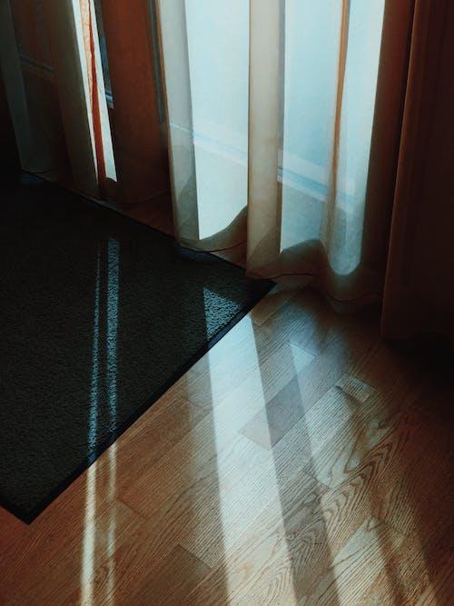 Foto profissional grátis de andar, castanho, chão de madeira, cômodo