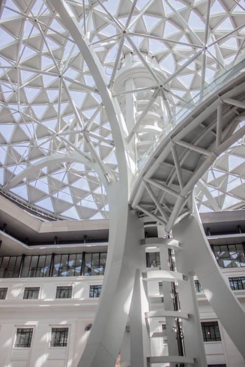 Foto profissional grátis de arquitetônico, arquitetura, minimalista, mínimo