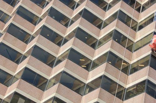 คลังภาพถ่ายฟรี ของ รูปแบบทางเรขาคณิต, สถาปัตยกรรม, สำนักงาน, หน้าต่าง