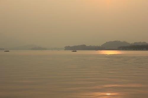 คลังภาพถ่ายฟรี ของ ตอนเย็น, ตะวันลับฟ้า, ทะเลสาป, ฤดูใบไม้ร่วง